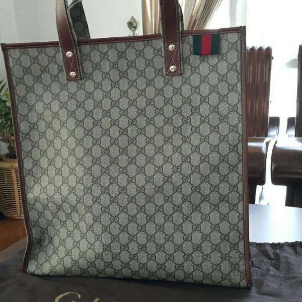 2adce94e7949 Authentic Brand New Medium Gucci Tote with Signature Web Loop ...